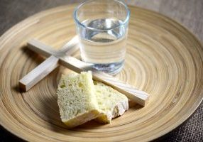 Fasting-bread-cross-water glass-almost-time-4792655_1920 - Pixabay