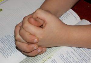 child-praying-hands-1510773_1920 -Pixabay